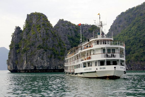 Emeraude Cruise Halong Bay Vietnam