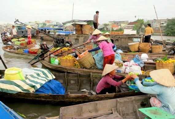 Vietnam Ladies in Hats