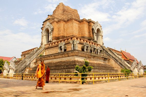 Wat Chedi Luang with Monk