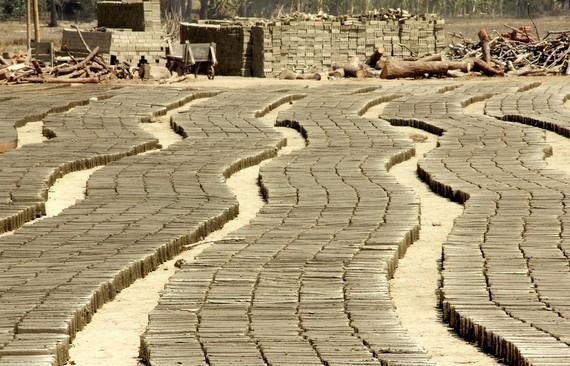 Making Bricks in Myanmar