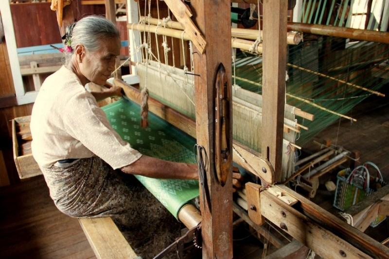 inle lake textiles