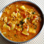 Aloo Tamatar Gravy (Potatoes cooked in a Tomato Gravy Sauce)