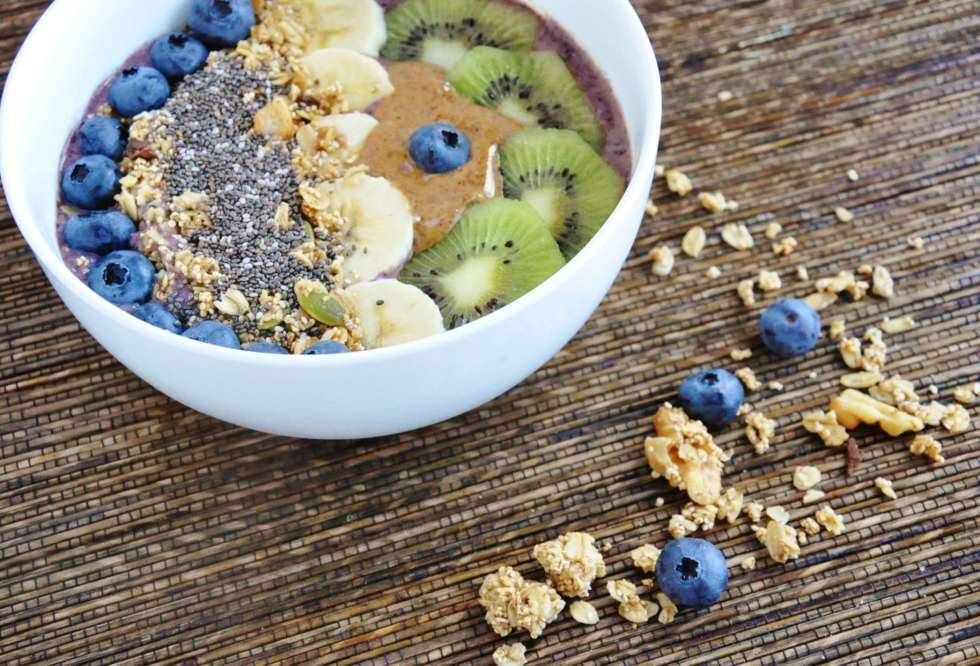 Blueberry Banana Acai Bowl (6)