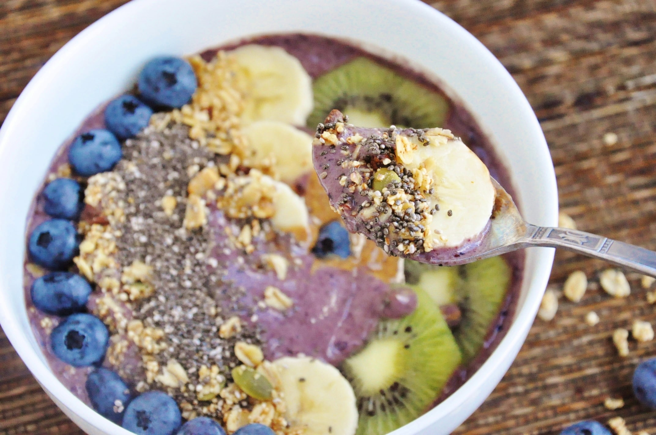 Blueberry Banana Acai Bowl (9)