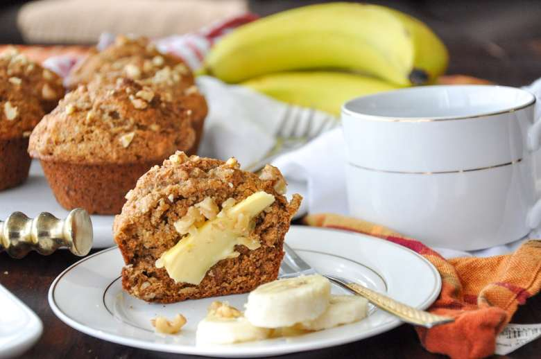 Whole Wheat Banana Walnut Muffins (healthyish, refined sugar free)