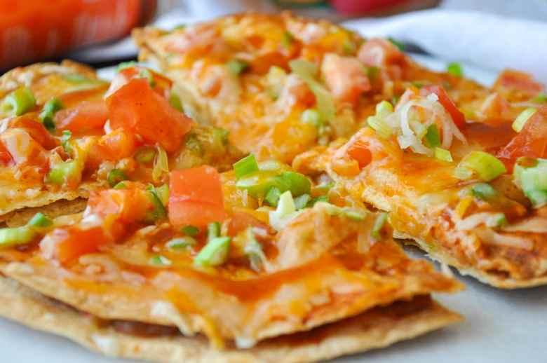 Mexican Tortilla Pizza (vegetarian, 10 ingredients, gluten-free option)