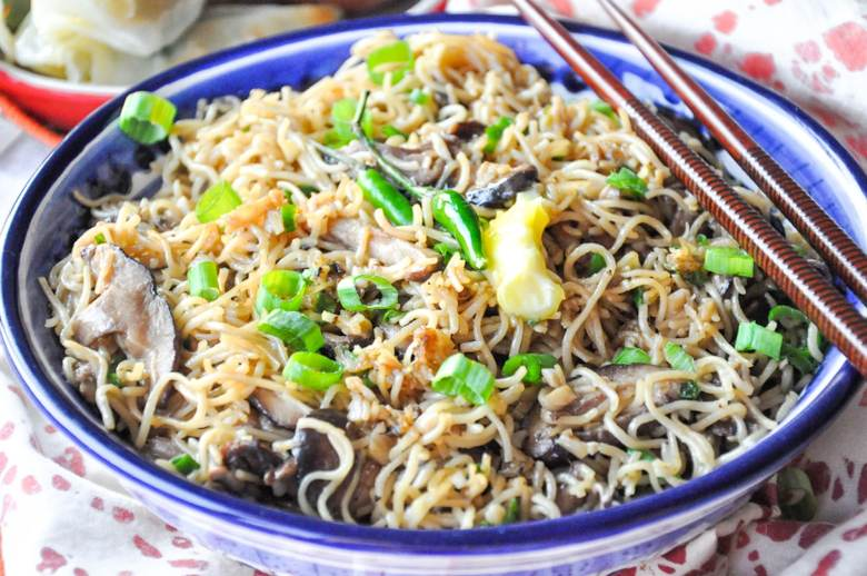 Mushroom Noodles (vegetarian, 10 Ingredients)