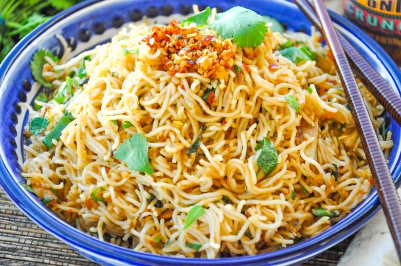 Chili Garlic Noodles (vegan, gluten-free, 7 ingredients)