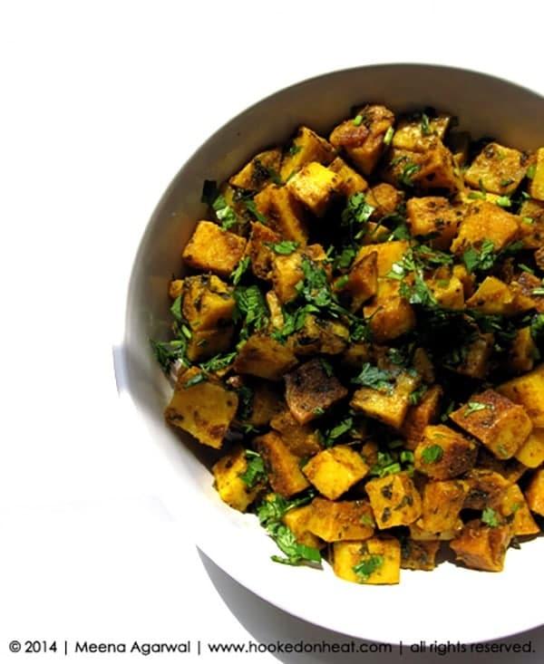 Recipe for Sukhe Alu taken from www.hookedonheat.com. Visit site for detailed recipe.