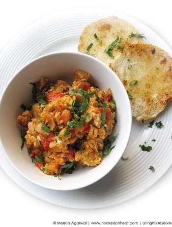 Recipe for Masala Egg Burji, taken from www.hookedonheat.com. Visit site for detailed recipe.