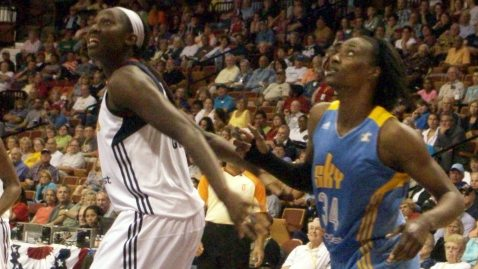 UNCASVILLE, Conn. (August 9, 2013) - Connecticut's Tina Charles and Chicago's Sylvia Fowles.