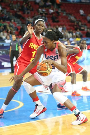 Nnemkadi Ogwumike led the USA with 18 points and 10 rebounds and shot 7-of-8 from the field. Photo: Ned Dishman/NBAE/Getty Images.