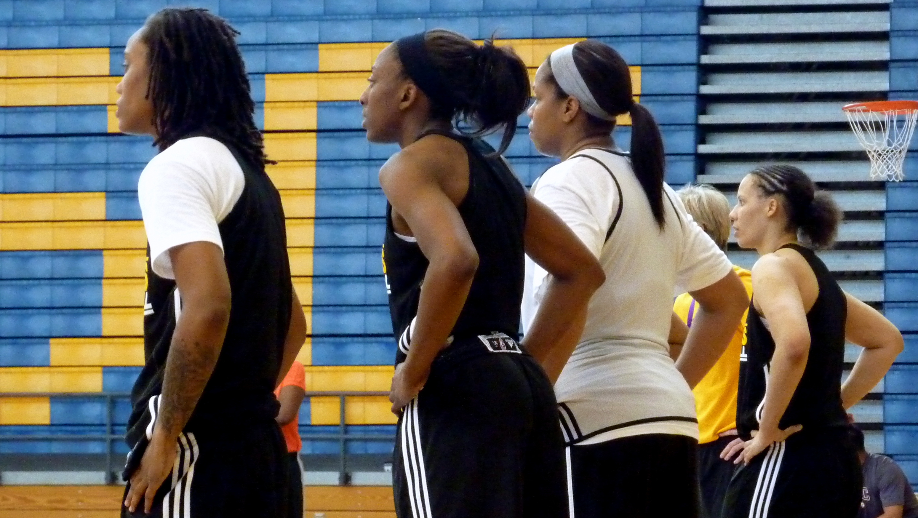 New coach Carol Ross sets tone for aggressive play as Los Angeles Sparks begin training camp