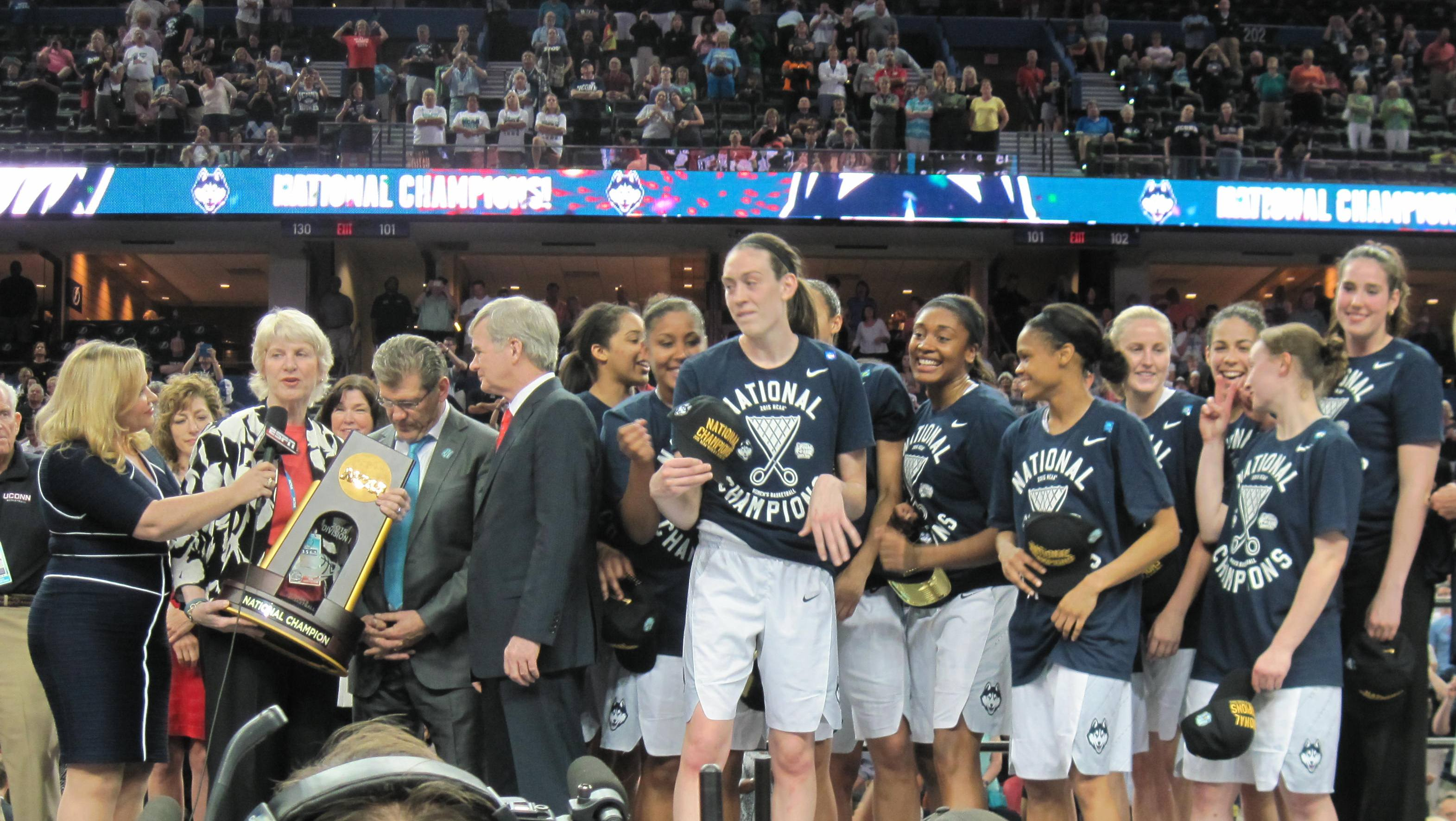 Husky three-peat: UConn beats Notre Dame 63-53 for record 10th national title
