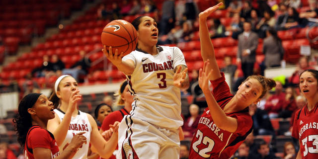 Washington State leading scorer Lia Galdeira leaves team to turn pro