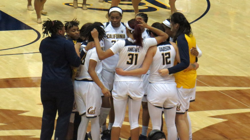 Cal completes weekend sweep, Penina Davidson leads Bears in 63-56 win over USC