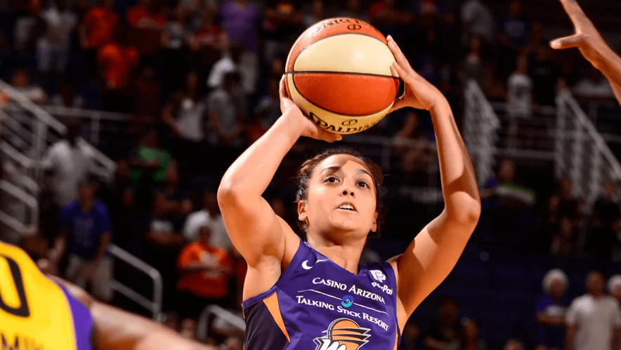 Leilani Mitchell leads five starters in double figures, Phoenix Mercury outlasts Los Angeles Sparks 82-72