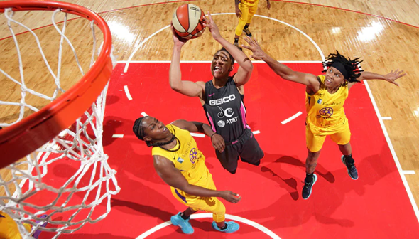 August 27, 2019 (Washington, D.C.) Los Angeles Sparks at Washington Mystics. Photo: NBAE/Getty Images.