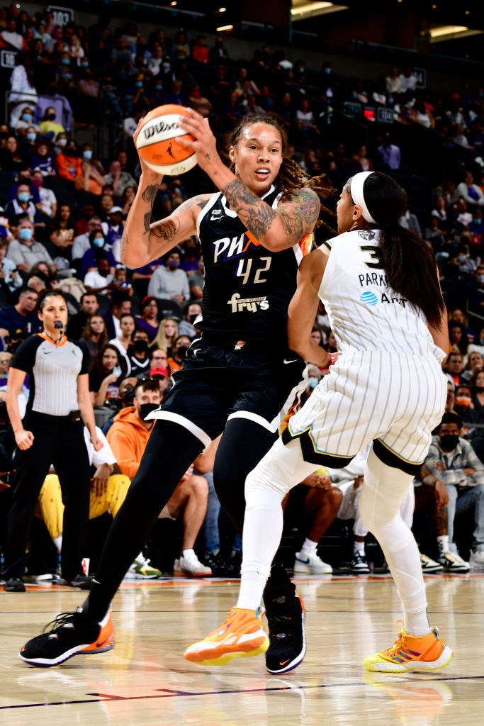 Phoenix Mercury dominate Chicago Sky in overtime to even WNBA Finals with a 91-86 win