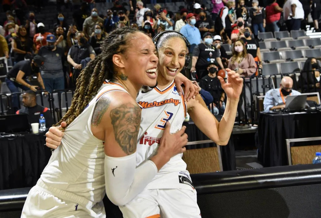 Diana Taurasi clutch as the Phoenix Mercury defeat the Las Vegas Aces, 87-84, to advance to the WNBA Finals