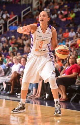 PHOENIX, AZ - JUNE 18: Minnesota Lynx vs Phoenix Mercury on June 18, 2014 at US Airways Center in Phoenix, Arizona. NOTE TO USER: User expressly acknowledges and agrees that, by downloading and or using this Photograph, user is consenting to the terms and conditions of the Getty Images License Agreement. Mandatory Copyright Notice: Copyright 2014 NBAE (Photo by Barry Gossage/NBAE via Getty Images)