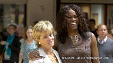 Taj McWilliams-Franklin and Kim Mulkey