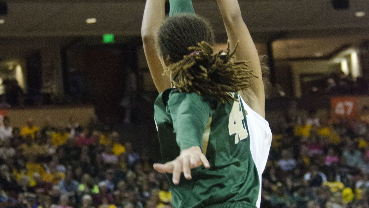 Brooklyn Pope the difference-maker, coming off the bench, as Baylor defeats Connecticut 76-70