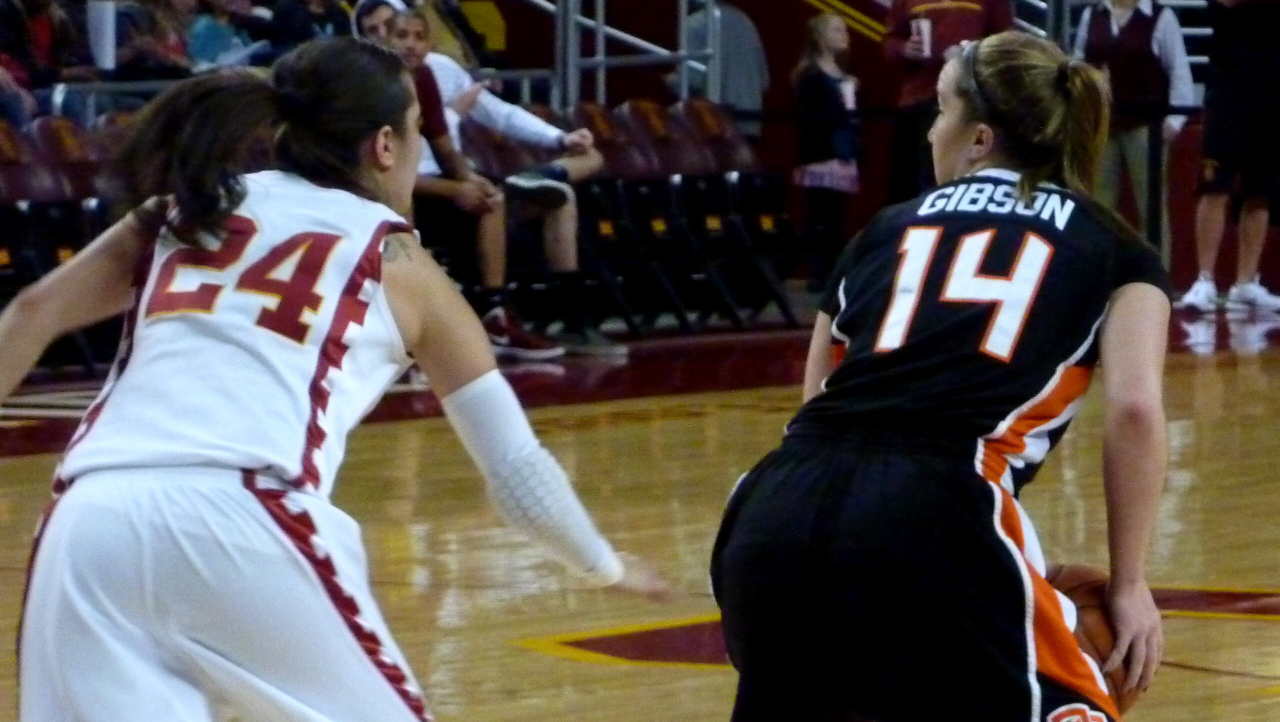 Pac-12 Updates: Oregon State downs USC in overtime, weekend scores and the week ahead