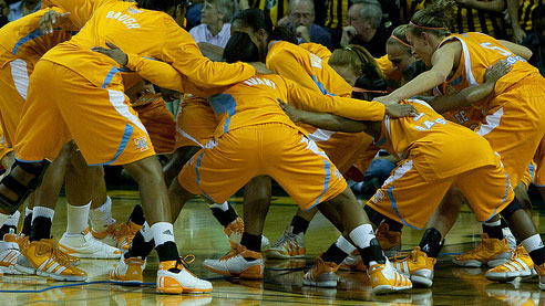 Tennessee beats Kansas to reach the Elite Eight for the 25th time