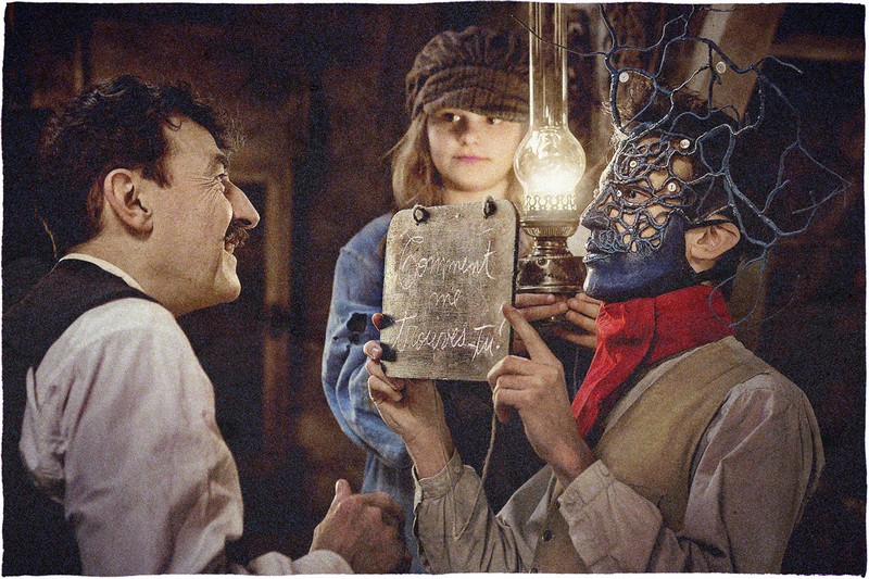 Au-revoir-la-hautPhoto Au revoir là-haut : Dupontel adapte le roman de Pierre Lemaitre avec succès.