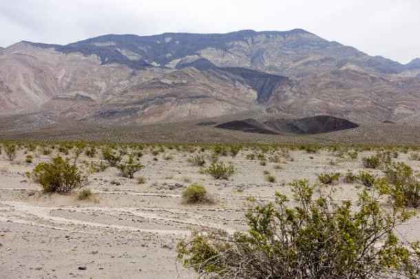 Panamint Butte in the distance