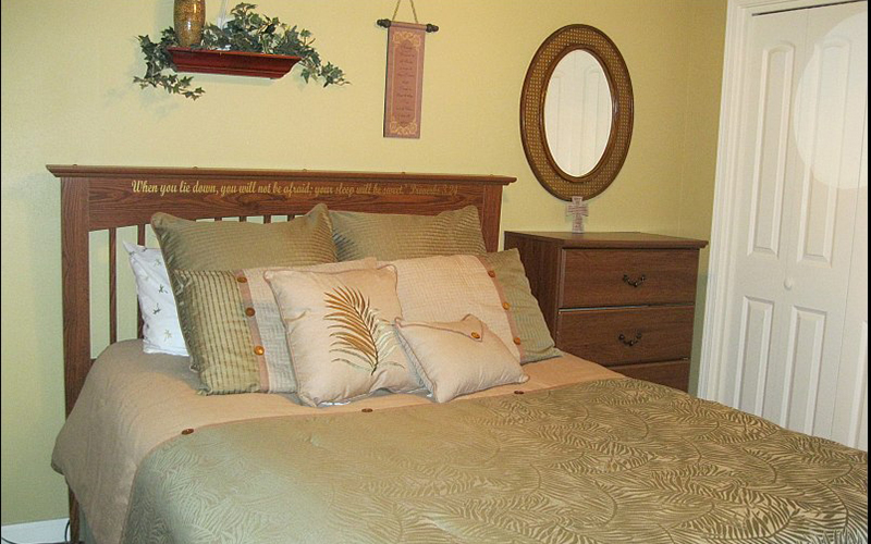 Bedroom-Tropical-bordered