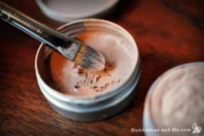 Learn how to make your own all-natural, healing concealer- and other DIY makeup recipes!