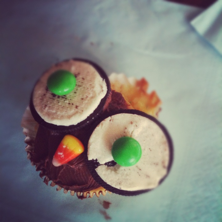 Owl Cupcake With Oreo Eyes