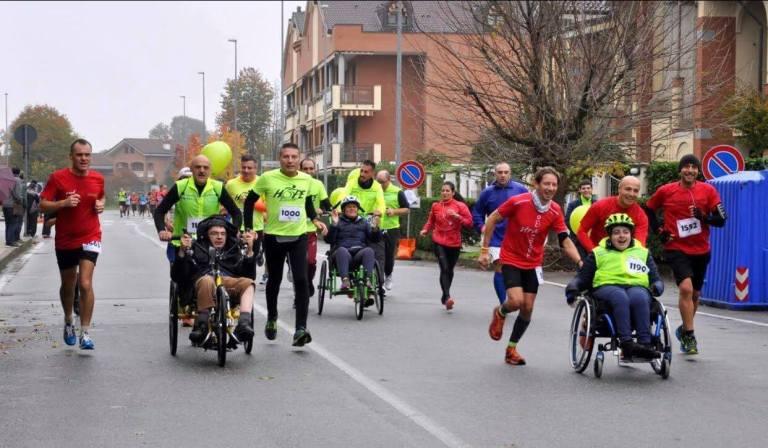 Hope Running onlus insieme ad altre associazione a Borgaro