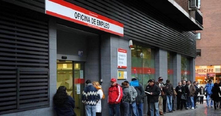 El paro registrado subió en 29.780 personas en el mes de agosto, el total de desempleados registrados es de 3.802.814