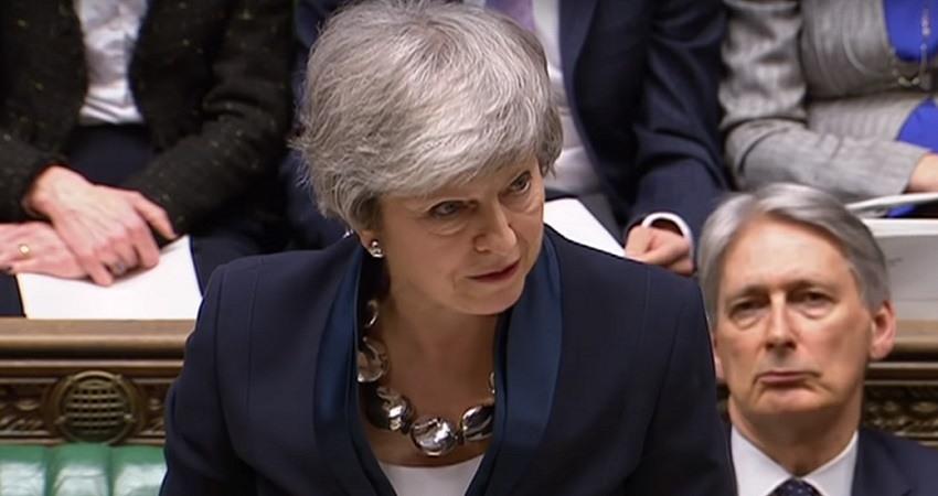 Theresa May abre la puerta a retrasar el Brexit