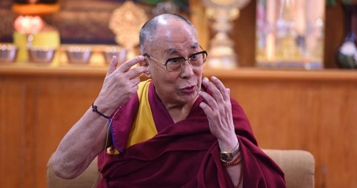 El Dalai Lama es hospitalizado en la India por una infección pulmonar