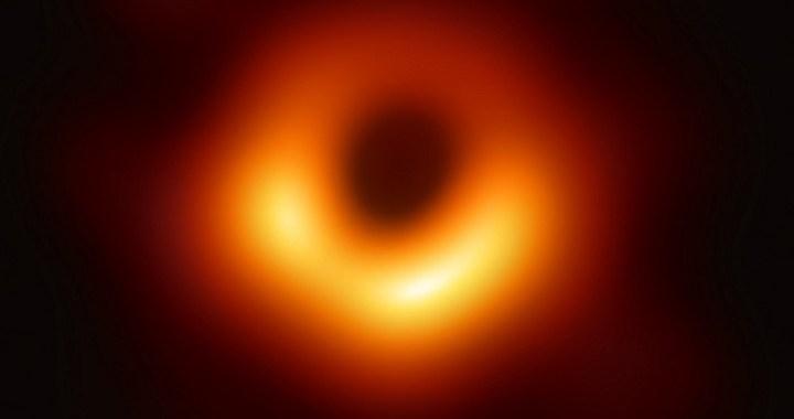 Todo lo que necesitas saber sobre la primera imagen de un agujero negro