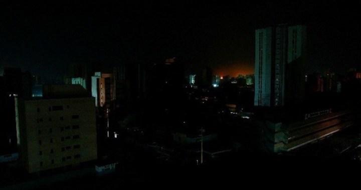 Un nuevo apagón deja sumida en la oscuridad a gran parte de Venezuela