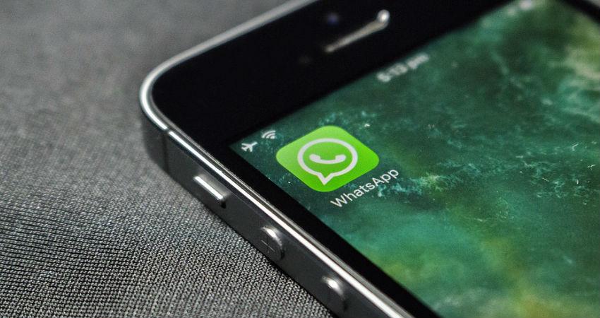 El timo de las aplicaciones para espiar mensajes de Whatsapp