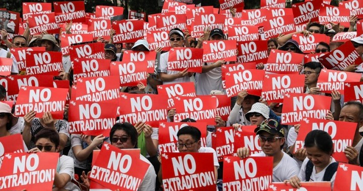 Protestas en Hong Kong: el gobierno promete seguir adelante con el proyecto de ley de extradición