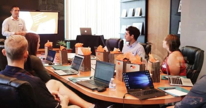 Cómo elegir una buena agencia de marketing digital para impulsar un negocio online