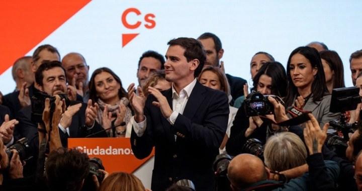 Albert Rivera dimite y anuncia que deja la política