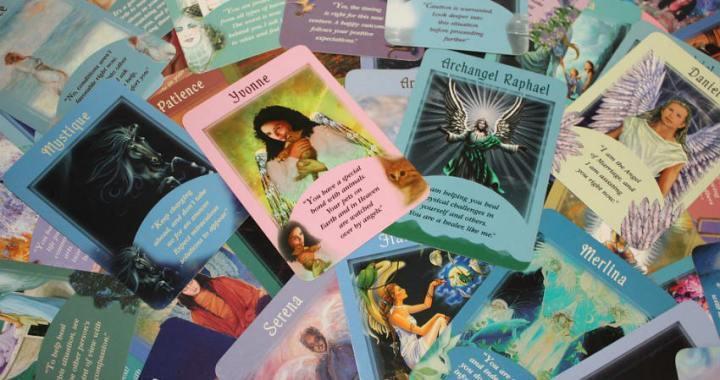 Cómo hacer de manera correcta una lectura del Tarot de los Ángeles