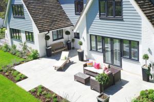 5 elementos imprescindibles que no deben faltar en tu jardín