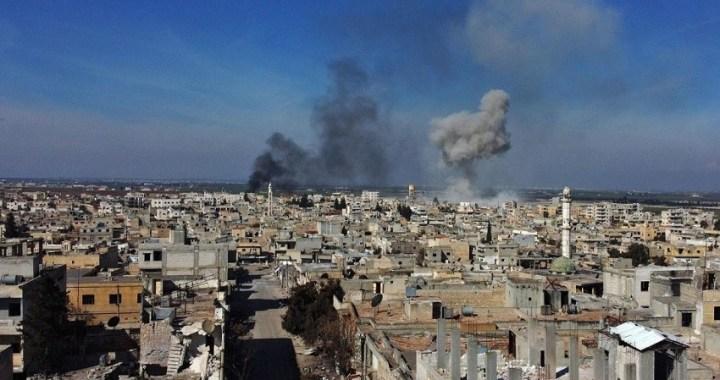 Turquía ataca objetivos sirios en respuesta a los 30 soldados turcos muertos en un bombardeo en la provincia de Idlib