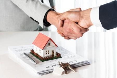 Inmobiliaria con extensa cartera de clientes