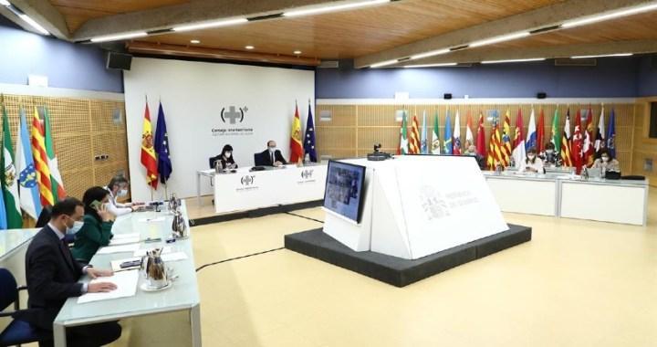 El Consejo Interterritorial detalla en un acuerdo las actividades que son incompatibles con el uso de la mascarilla