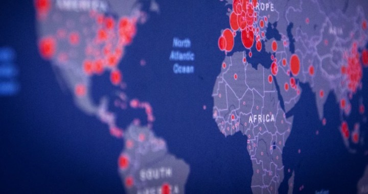 Las unidades de cuidados intensivos del continente americano se llenan de personas jóvenes con coronavirus